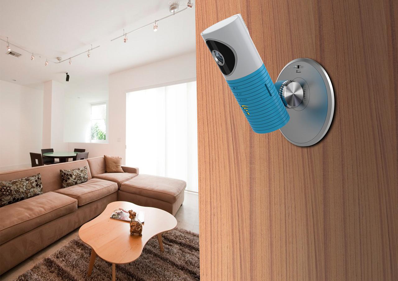 另一种是将摄像头安装在室内并紧闭窗门,使其监控窗前屋子的一切.